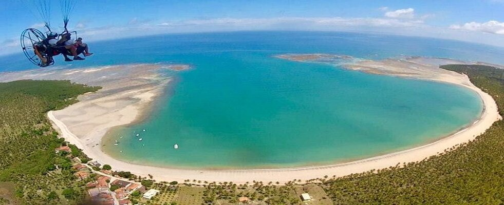 Vista aerea praia de Garapuá em Morro de são paulo