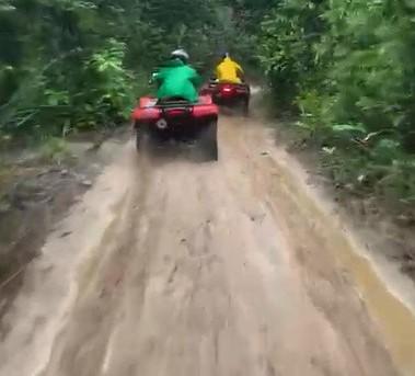 passeio quadriciclo Garapua