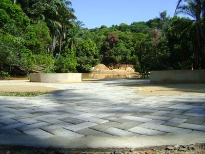 Obras da Praça da Lagoa de Morro de São Paulo em execução